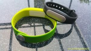 sony smartband swr10 vs xiaomi mi band 3